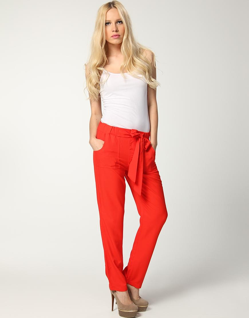 kirmizi dar paca pantolonlar Yeni Trend Farklı Bayan Pantolonları 11