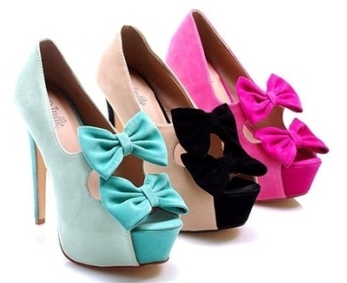 yeni sezon renkli ayakkabi modelleri Yeni Trend Farklı Yüksek Topuklu Ayakkabı Trendleri 17