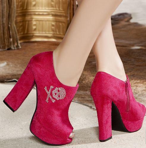 kuru kafa islemeli kalin topuklu ayakkabi modeli Renkli Platform Topuklu Ayakkabı Modelleri 9