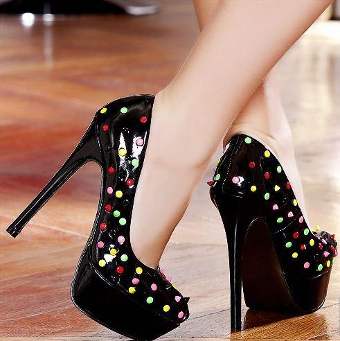 renkli puantiyeli platform topuklu ayakkabi tasarimlari Renkli Platform Topuklu Ayakkabı Modelleri 13