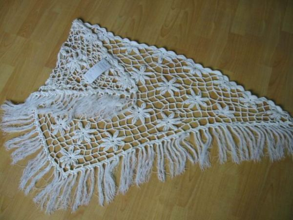 triangle hand crochet shawl Yeni Sezon Örgü Şal Modelleri 35