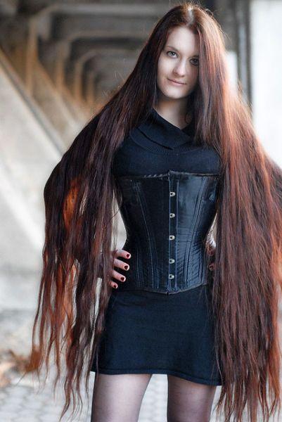 duz uzun sac Uzun Saç Modelleri 3