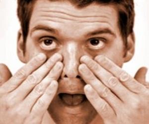 Erkekler ve Göz Altı Torbaları