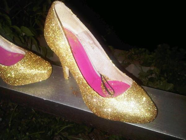 evde simli ayakkabı