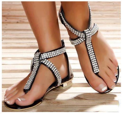 bilekten taşlı sandalet