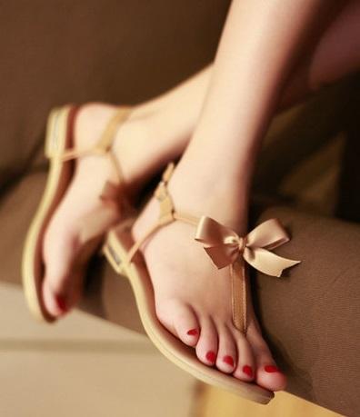 fiyonklu sandalet modelleri1 Yaz Sezonu Sandalet Modelleri 7