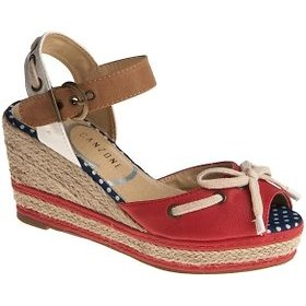 kirmizi dolgu topuk sandalet modeli1 Yaz Sezonu Sandalet Modelleri 15