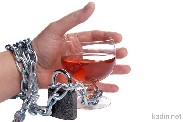 Alkol Tüketenler Nasıl Beslenmeli?