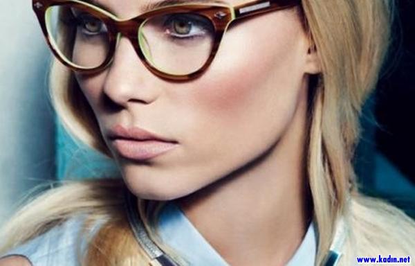 Gözlük Takanlar Nasıl Makyaj Yapmalıdır (2)
