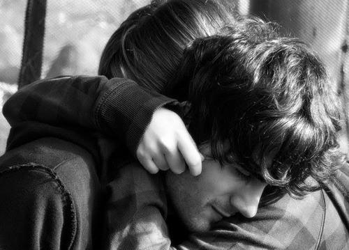 Resultado de imagem para amor abraços tumblr