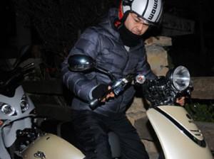 Serdar Ortaç motosikleti ehliyetsiz kullandı