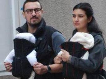 Tuba Büyüküstün Ailesiyle Fransa'ya Yerleşiyor