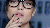 Gözlük Takanlar Nasıl Makyaj Yapmalıdır?