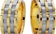Evliliği Simgeleyen Kalın Altın Alyans Örnekleri