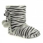 yeni sezon zebra desenli ponponlu ev botları
